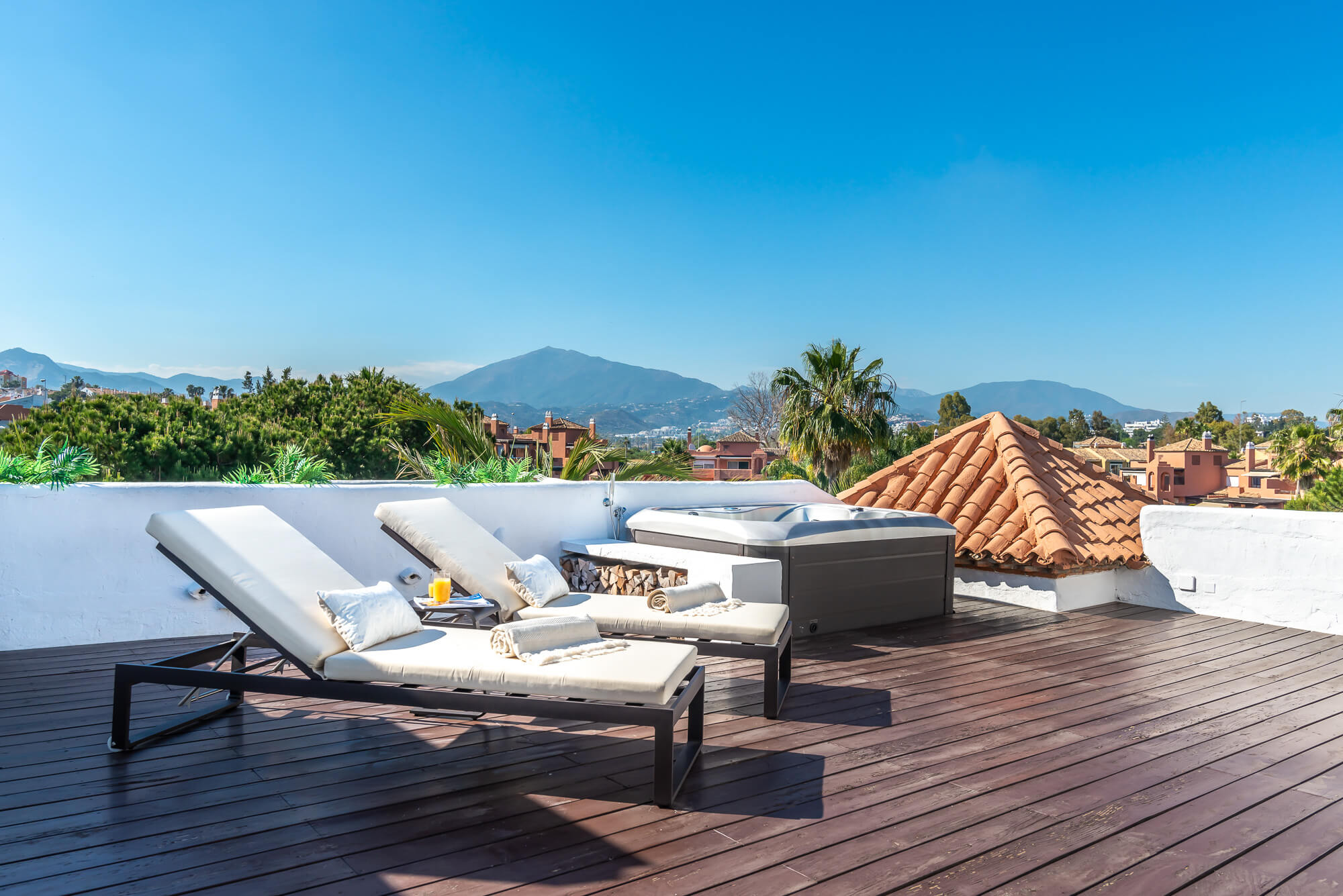 Penthouse With 4 bedrooms In Alhambra del Golf, Estepona