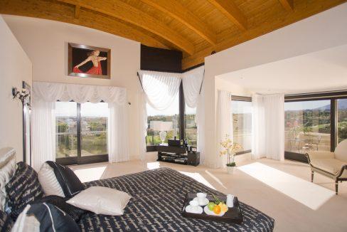 Los-Flamingos-Marbella-luxury-villa-guest-suite