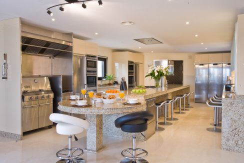 Los-Flamingos-Marbella-luxury-villa-rental-professional-kitchen