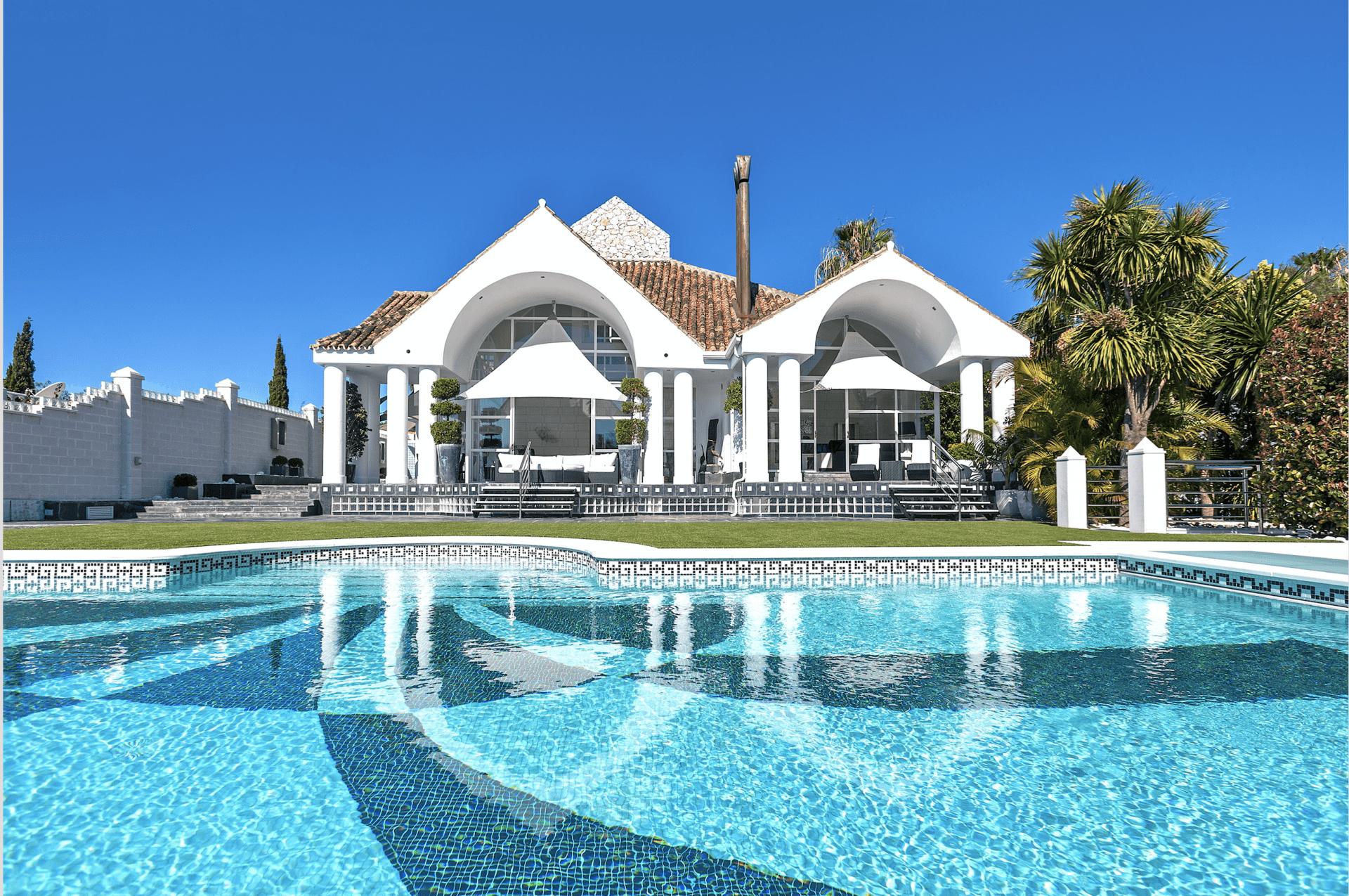 Unique 6 bedroom Villa For Sale In Nueva Andalucia, Marbella