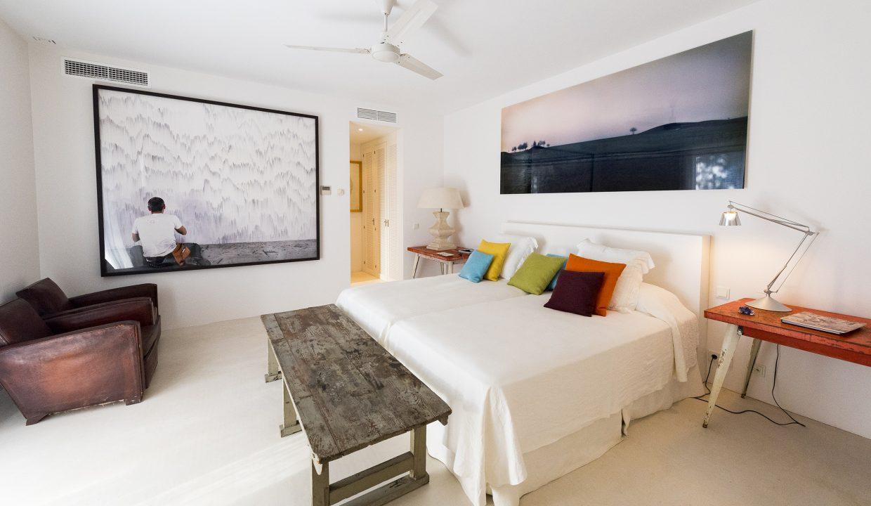int_bedroom_00012
