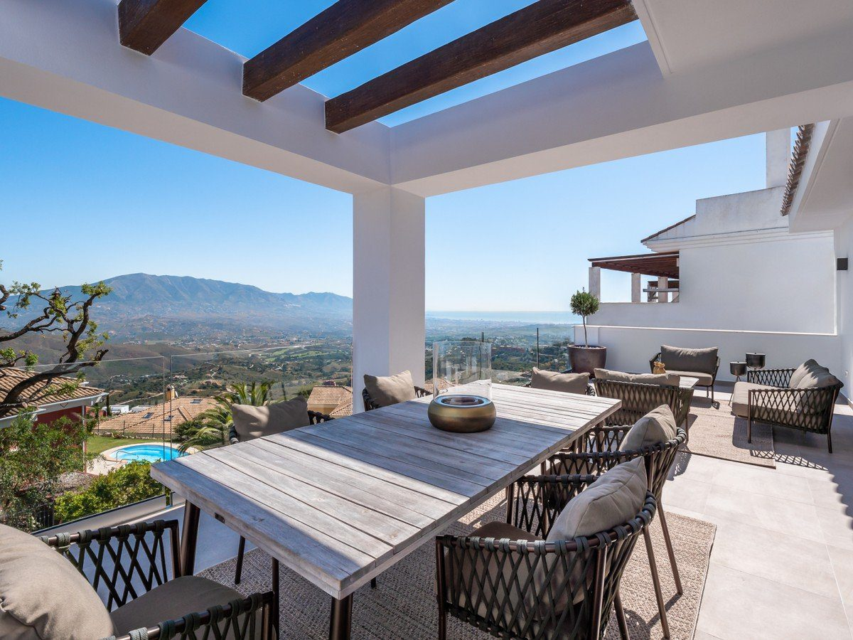 Brand New Modern 3 bedrooms Townhouse For Sale In La Mairena, Marbella